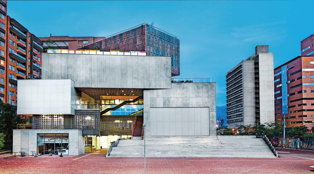 Qué hacer en Medellin? Visitar el museo de arte