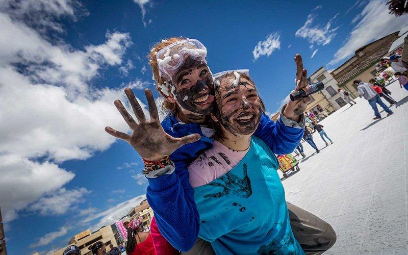 Dia 5 desfile familia castañeda carnaval de blancos y negros en pasto nariño